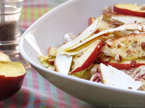 Radicchio, frutta e ricotta affumicata