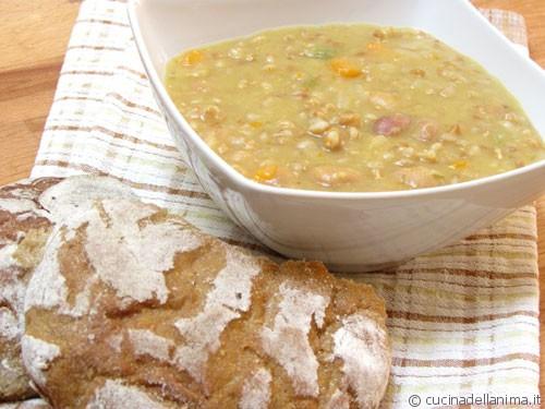 zuppa legumi e farro
