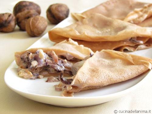 Crespelle con farina di castagne, radicchio e noci