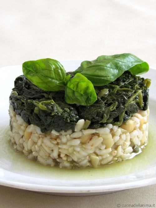 Torretta di riso integrale, ceci e spinaci