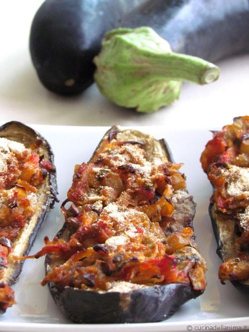 Melanzane ripiene di verdure al forno