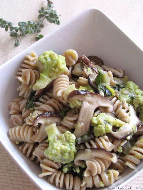 Fusilli con broccolo di Bassano e funghi shiitake