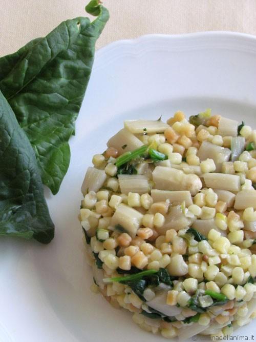 Fregola con asparagi e spinacini