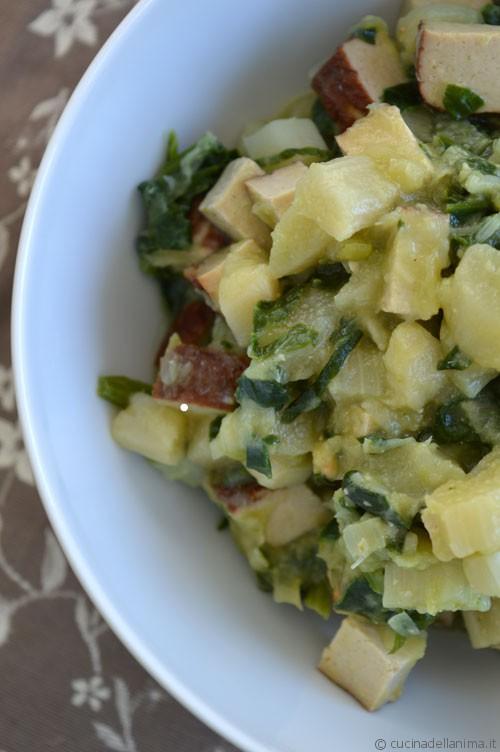 Padellata di tofu con aparagi bianchi e spinaci