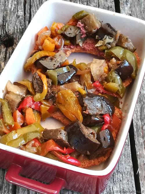 Friselline con verdure al forno