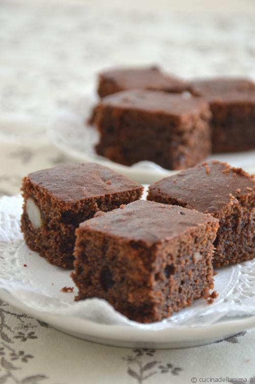 Torta-brownies di rapa rossa e cioccolato