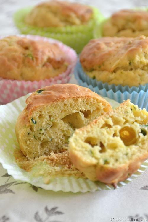 Muffin salati di zucchine