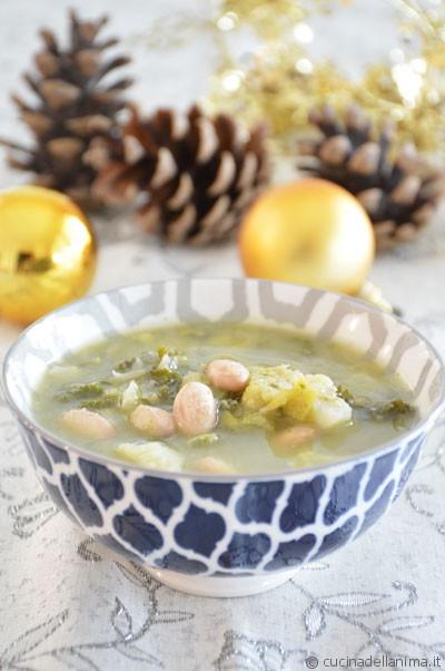 Zuppa di fagioli e cavoli: kale, verza e cavolfiore